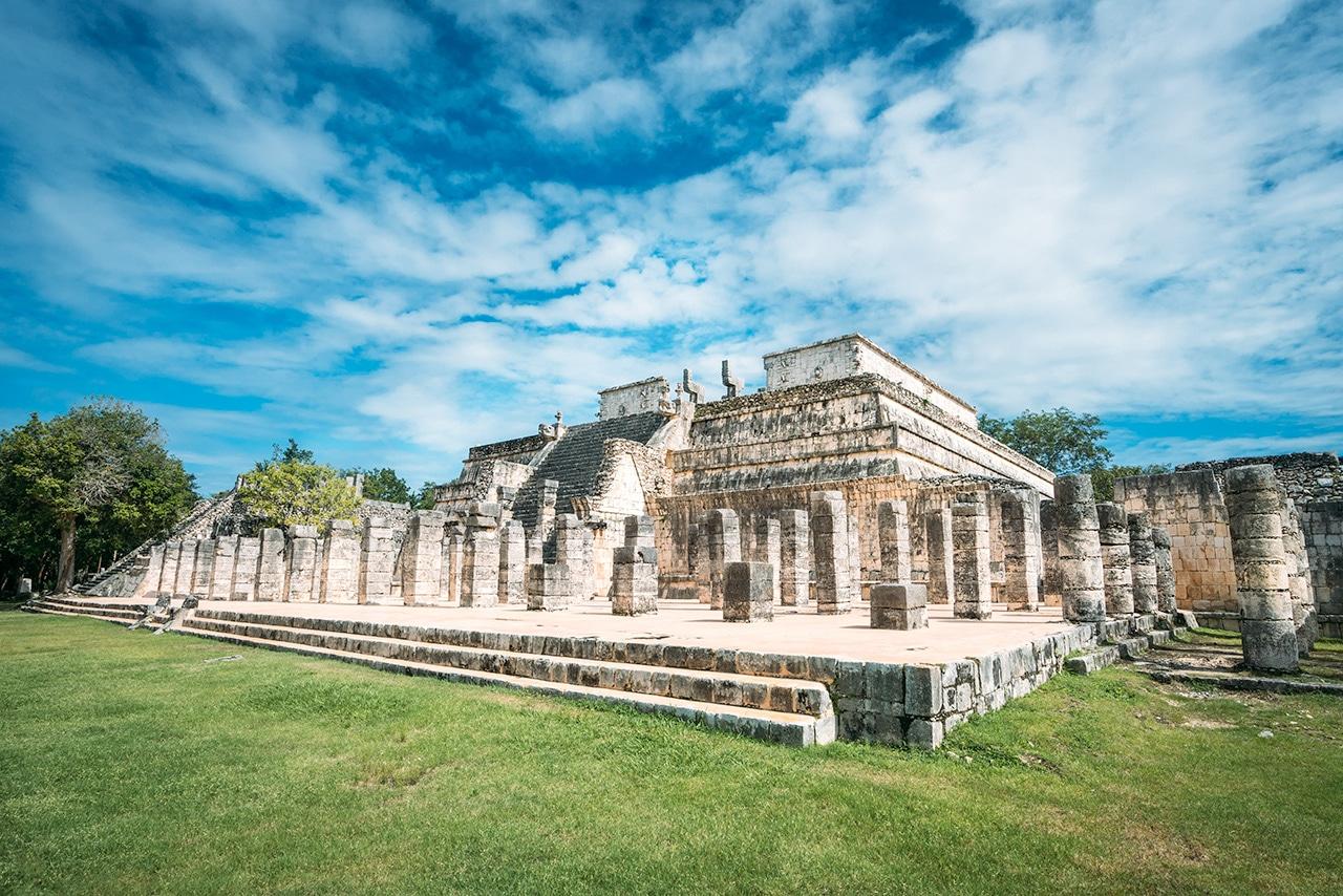 chichen-itza-warrior-structure ▷ Las ruinas de Chichén Itzá: la maravilla del mundo en México