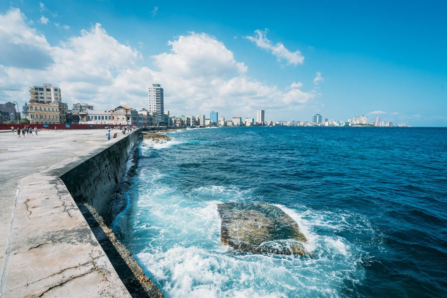 Things To Do: Walk Havana's El Malecon