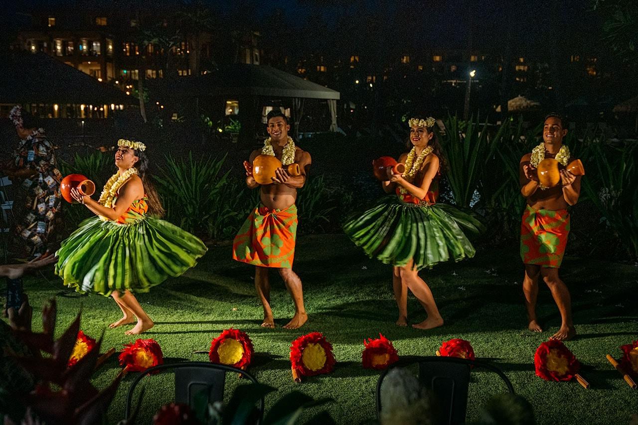 Hawaiian Hula Dancers Performing