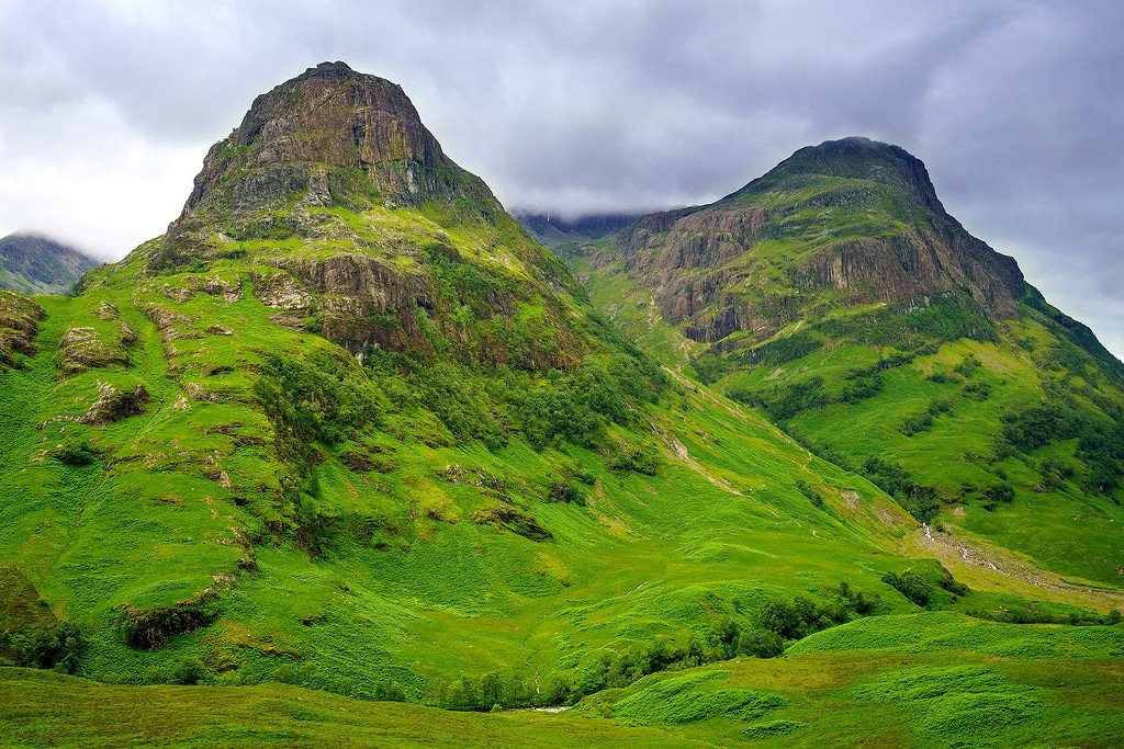 driving the scottish highlands mountains lochs and glens