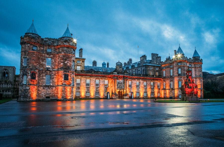 Holyrood Palace at Night