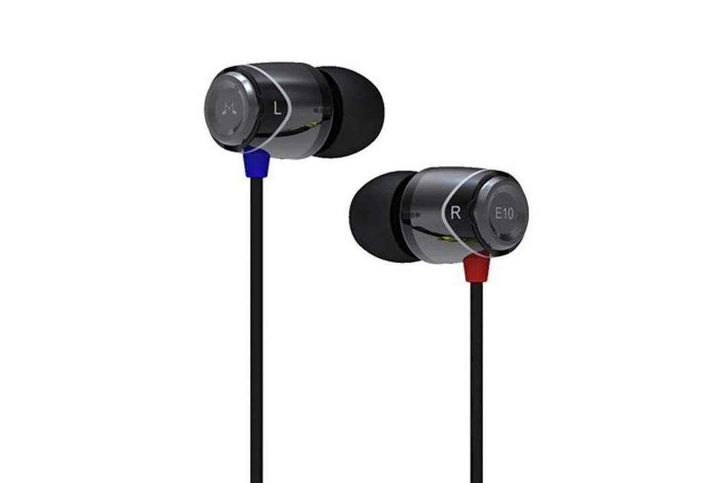 Best Travel Gifts: Packable Headphones