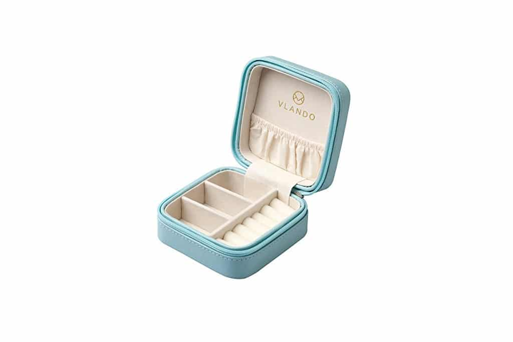 Women's Travel Gifts: Portable Jewelry Box