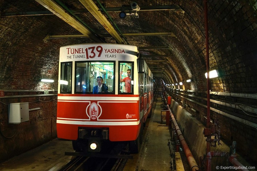 Istanbul tunel subway 900x900