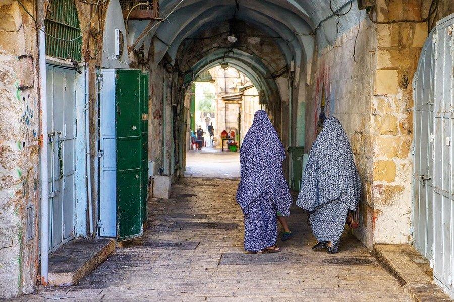 jerusalem old city women