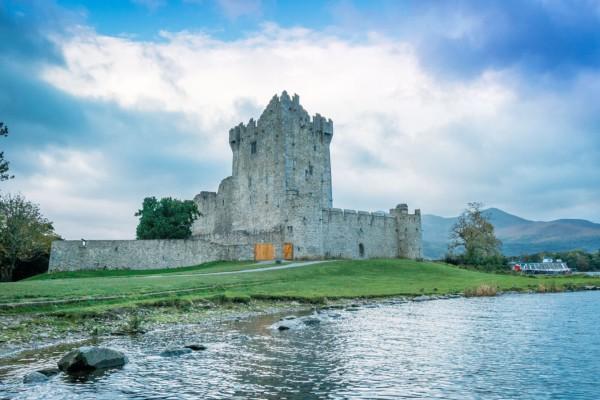 Killarney National Park: Exploring Mountains, Lakes, and Castles