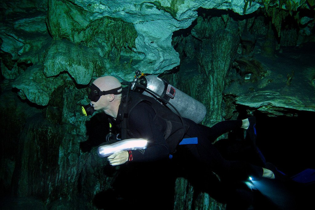Matt Cave Diving Mexico