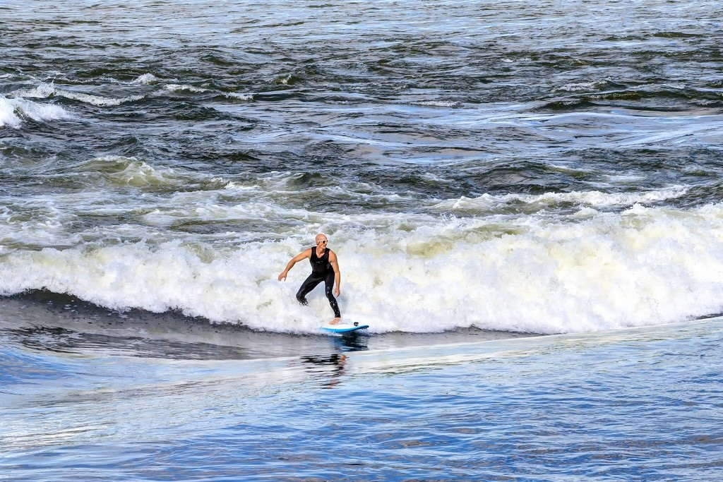 Montreal Surfing