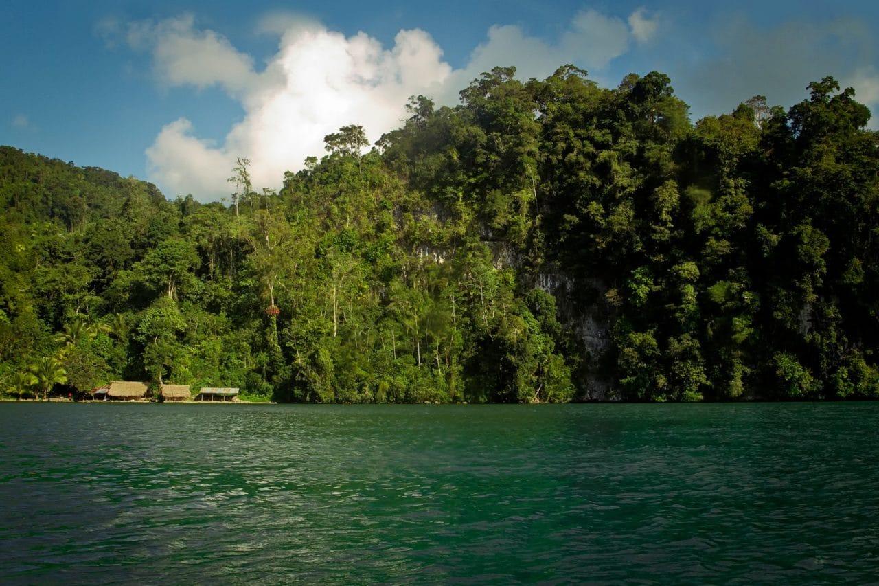 Rio Dulce River Guatemala Jungle Cliffs