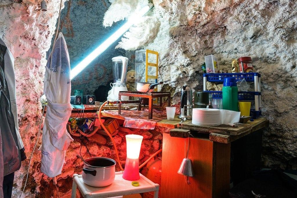 Sacromonte Cave Kitchen Spain