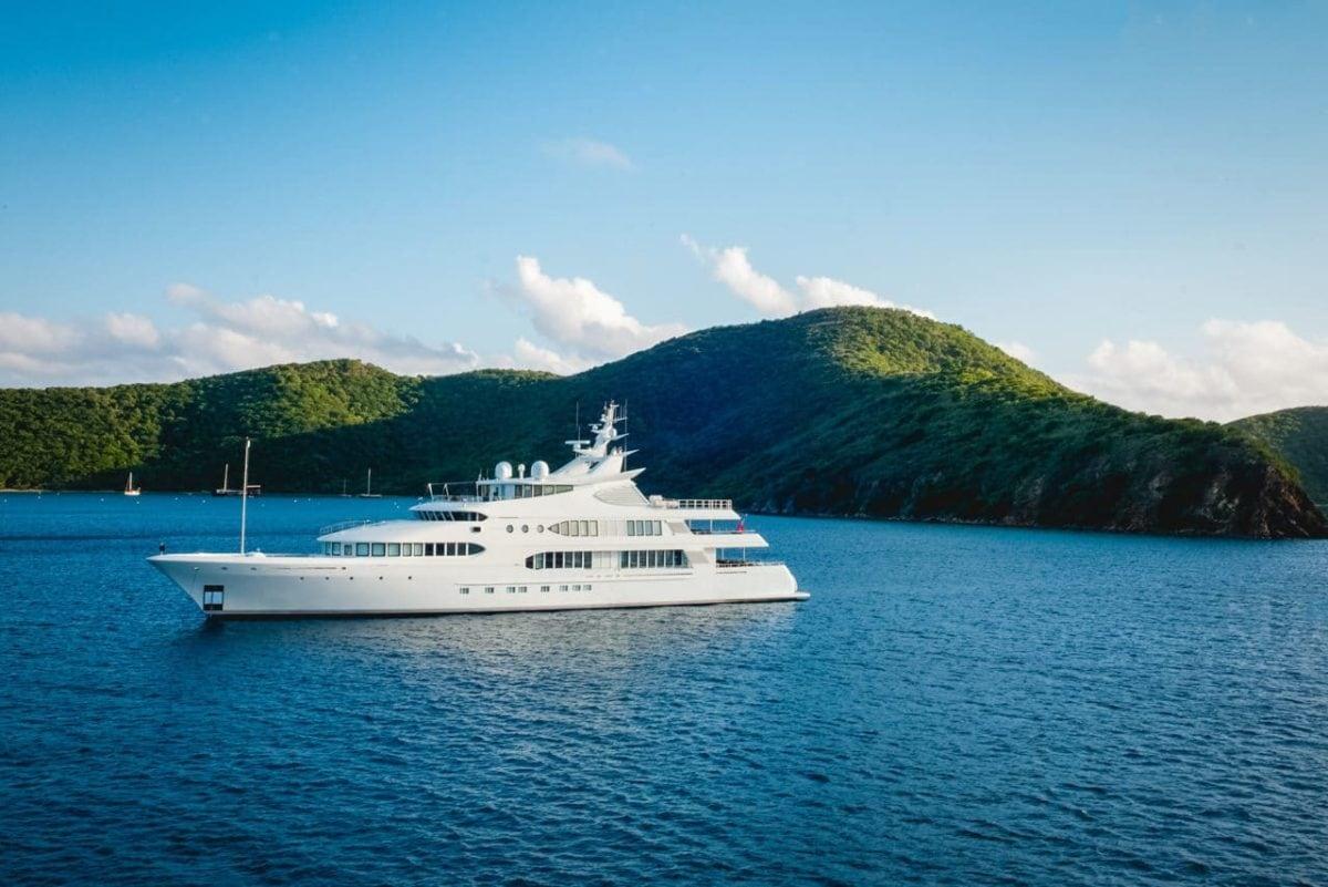 Comment commencer à travailler sur des super yachts et des voiliers ?